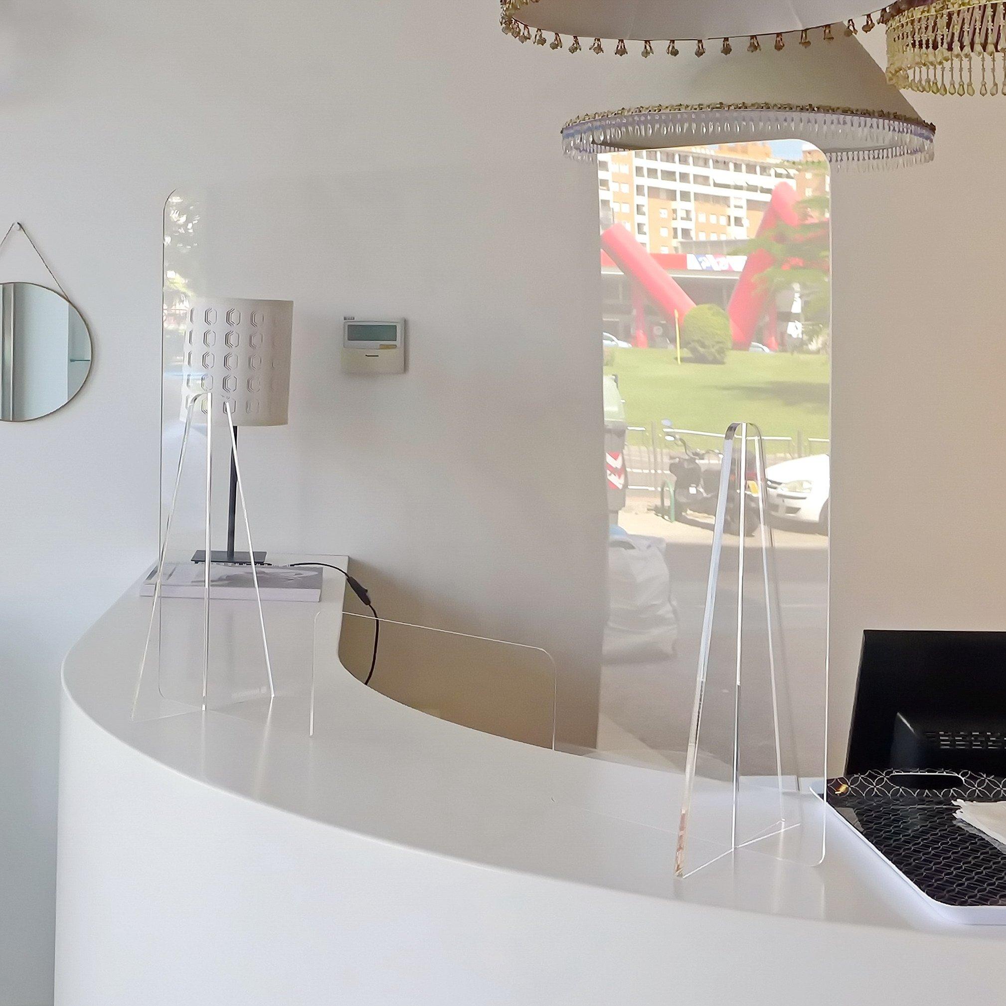 Mampara protectora Anticontagio para mostradores fabricada en Zaragoza
